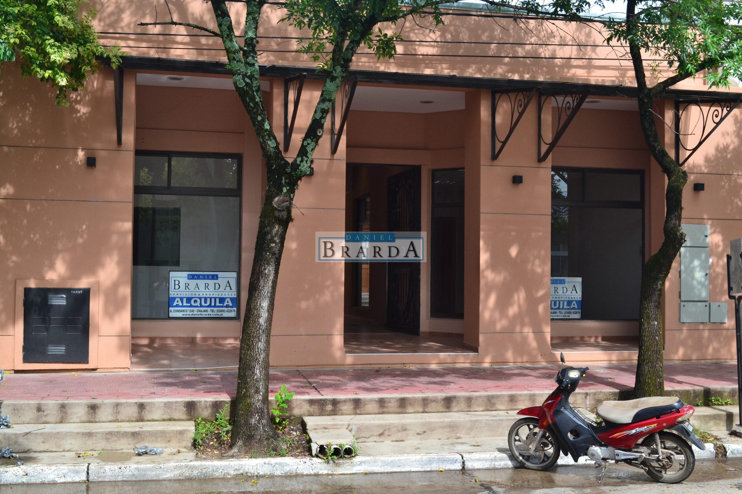 Local 3 en galería en calle Sarmiento