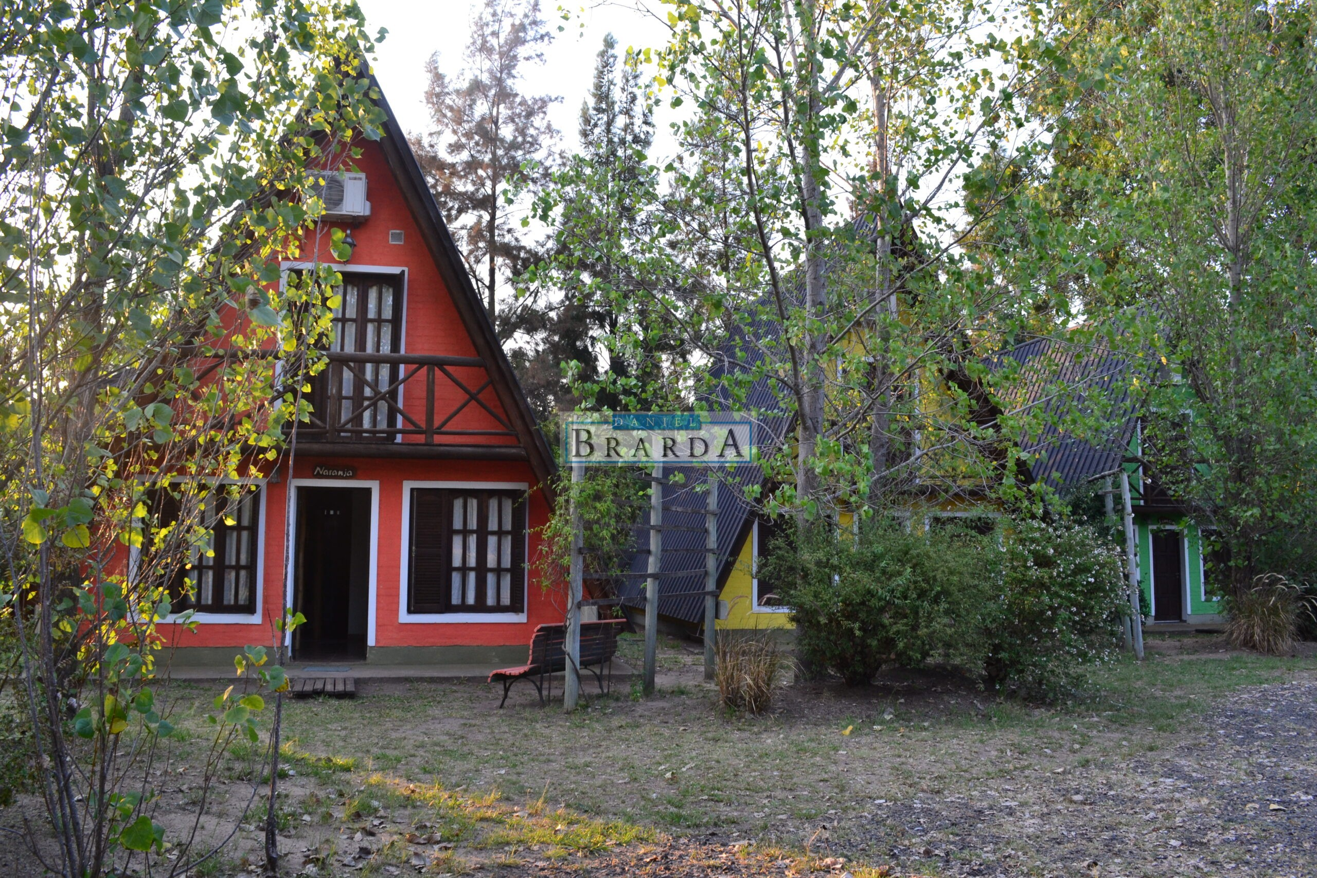 Complejo Alpinas + cabaña en Camping Santa Ana (ER)