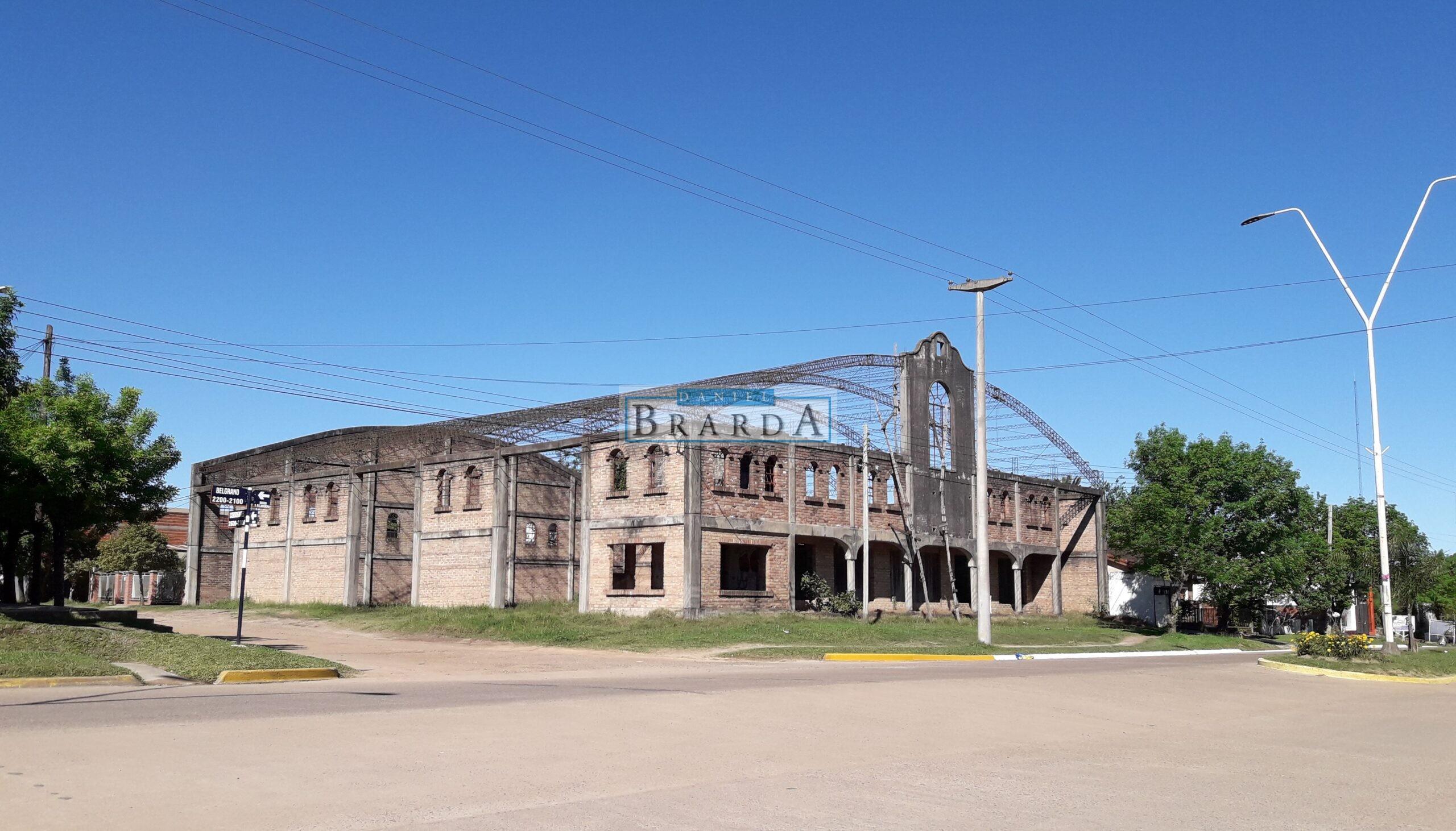 Esquina con construcción en Av. Belgrano y Corrientes – Chajari (ER)
