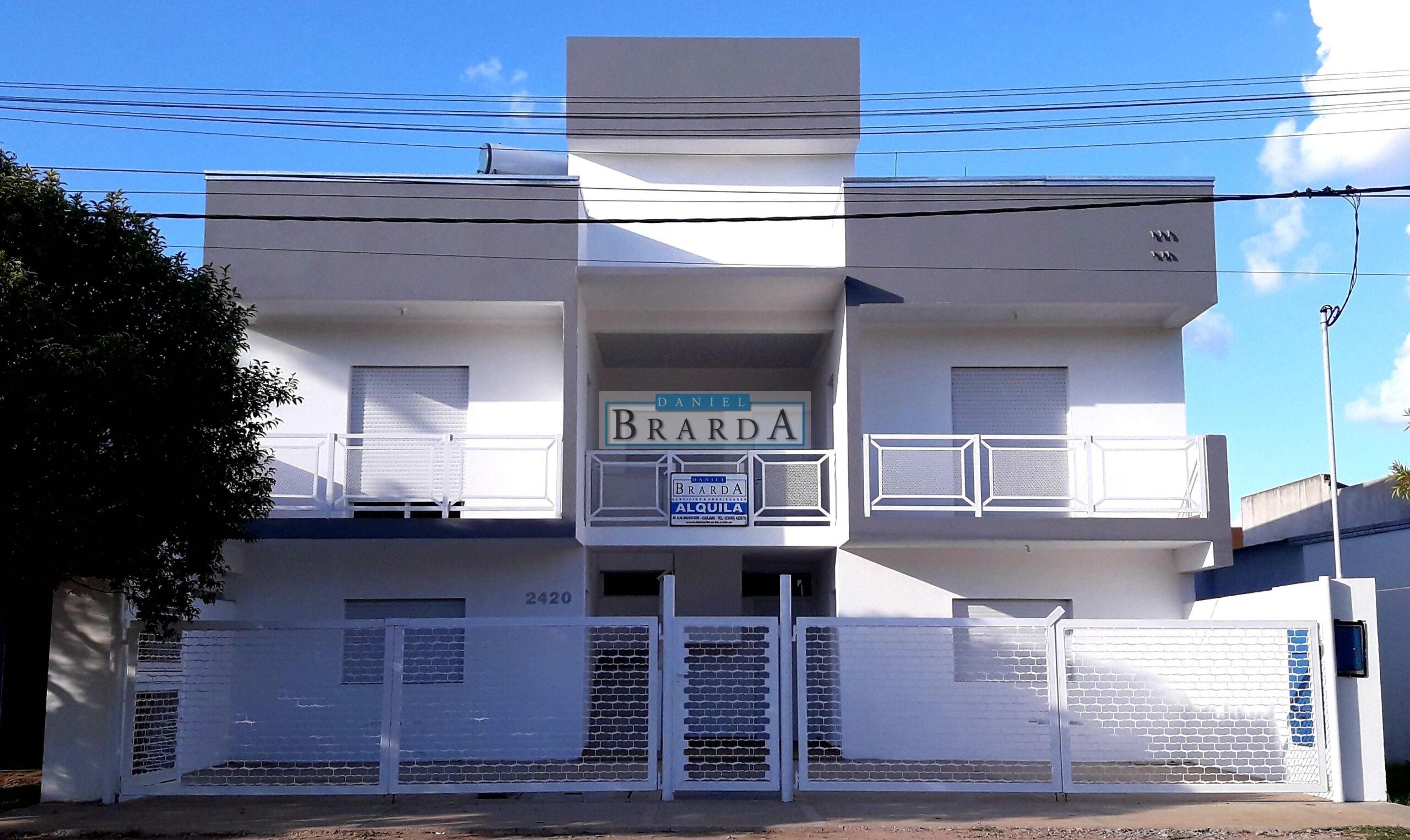 Departamento 3 (1 dormitorio) – Alte. Brown 2420 Chajari (ER)